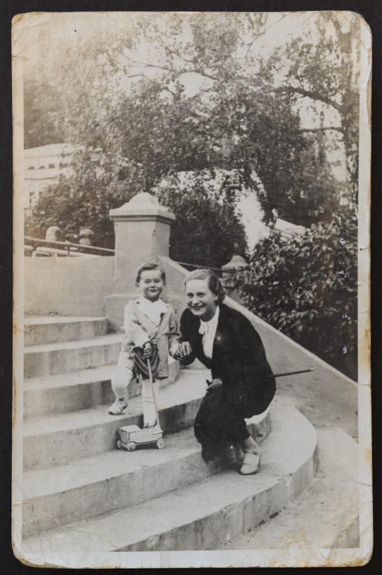 ברוניה ובנה אלי בוסק