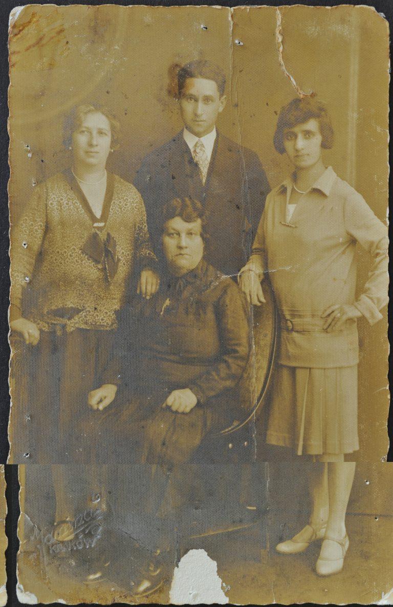 רבקה רומק וזופיה בוסק 1924